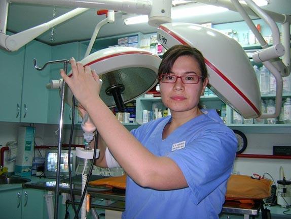 Estela Rivas, Veterinaria.